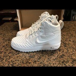 Nike Shoes - Brand New Nike DuckBoot 17 PRM white Aa1123-100